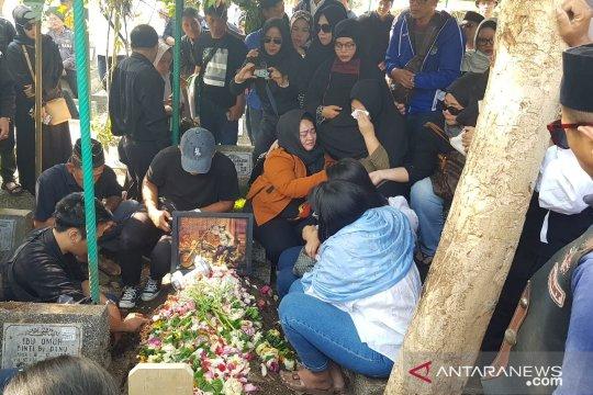 Agung Hercules dimakamkan di TPU Cikutra Bandung