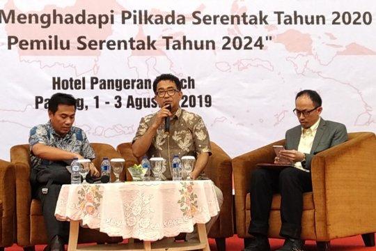 Wacana kembali pada sistem pemilu tak langsung bergema di Padang