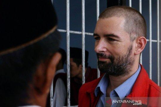 Hakim banding jatuhkan vonis 19 tahun untuk Dorfin Felix