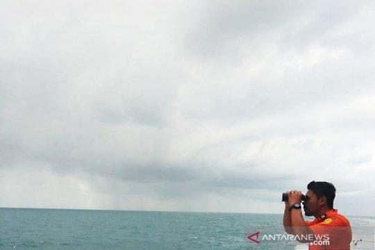 Kapal nelayan dengan 37 penumpang tenggelam di perairan Matasiri