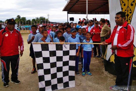 Ribuan warga Biak meriahkan pembukaan kegiatan lomba Proklamasi RI