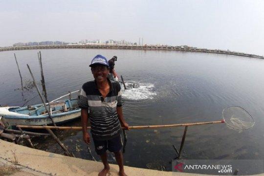 Kelurahan Marunda belum dapat pengaduan soal tumpahan minyak Pertamina