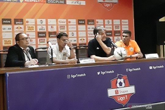Pelatih-pemain Persija kompak salahkan wasit usai imbang dengan Arema