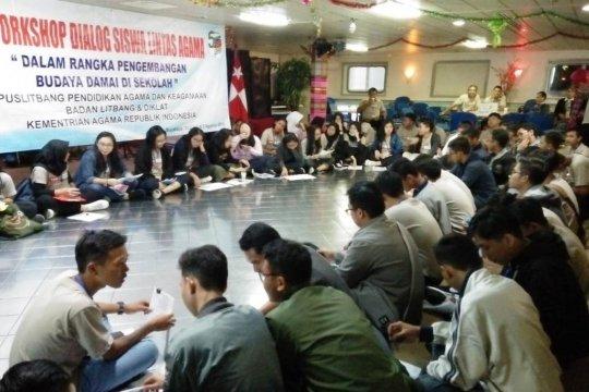 60 siswa ikuti dialog lintas agama di atas kapal Jakarta ke Surabaya
