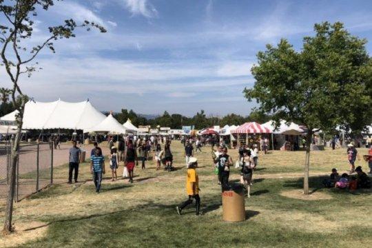 FBI selidiki terorisme pada penembakan di festival bawang putih