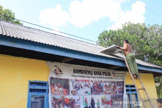 Pengmas FIK UI sediakan panel surya di Wakatobi