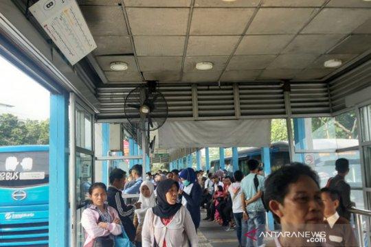 TransJakarta berlakukan tarif Rp0 imbas listrik padam