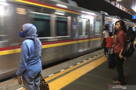 Mulai beroperasi normal KRL jalur Tangerang