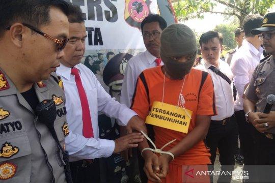 Polisi Sukabumi ungkap motif sopir angkot membunuh alumni IPB