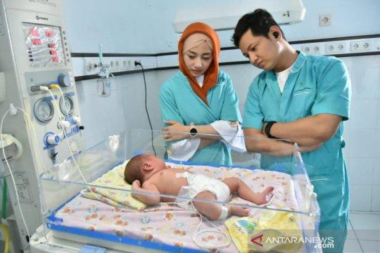 Bupati Trenggalek jamin perawatan bayi dibuang di pasar