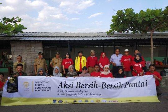 Penyu terancam punah, Universitas Indonesia bersih-bersih pantai