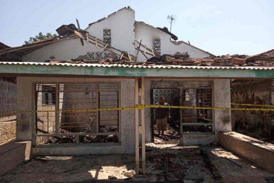 Tiga rumah di Indramayu terbakar saat listrik padam