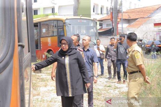 Bupati ingin ratusan Transjakarta terlantar di Bogor jadi Bus Sekolah