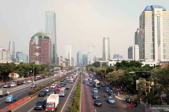 Cuaca cerah hiasi langit Jakarta pada libur cuti bersama Jumat