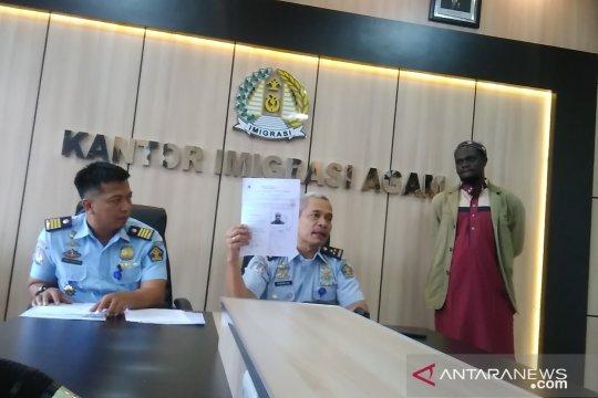 Eks pencari suaka dipulangkan setelah 20 bulan tinggal di Indonesia