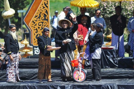 Festival budaya Dieng Page 1 Small