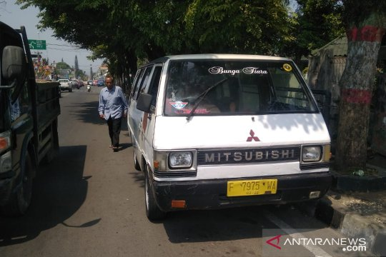 Sopir angkutan terkena imbas kasus pembununan mahasiswi IPB