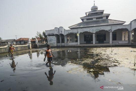 Banjir rob di Muaragembong