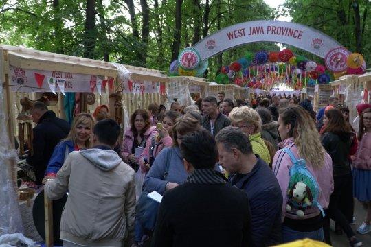 Payung Geulis Tasikmalaya laris manis di Moskow