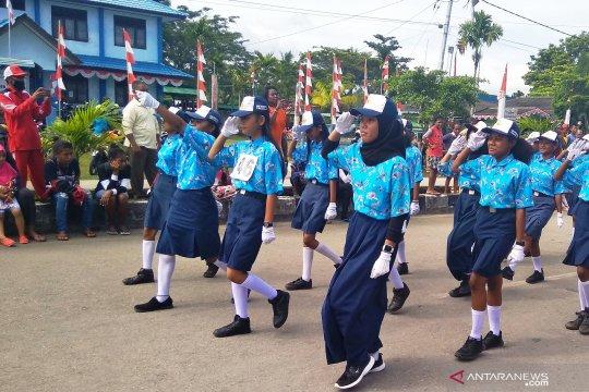 2.000 siswa SMP Biak ikuti lomba gerak jalan HUT Proklamasi