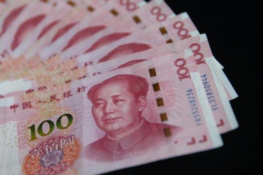Yuan jatuh hingga 38 poin, hentikan penguatan 2 hari beruntun
