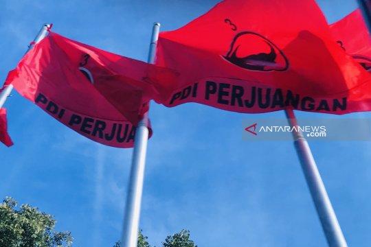 3 ribuan kader PDIP asal Jatim semarakkan kongres V di Bali