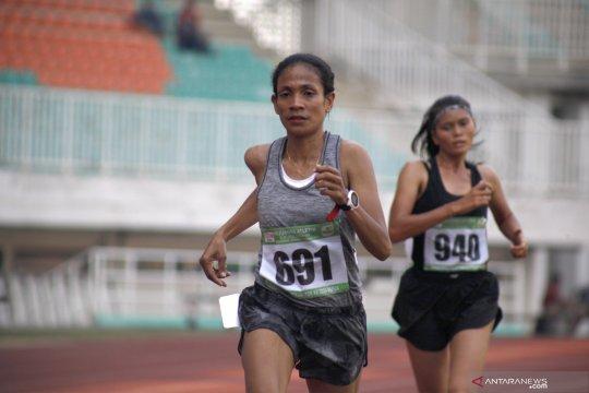 Mery Paijo dari NTTraih perak lari 10.000 meter putri senior