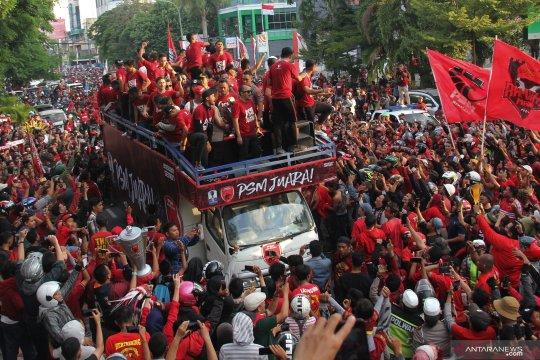 Pawai kemenangan PSM Makassar juara Piala Indonesia