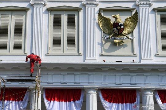 Kompleks Istana Kepresidenan berhias jelang peringatan HUT Ke-74 RI