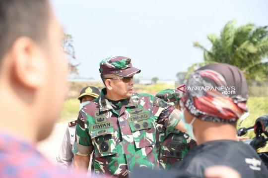 Lokasi kebakaran hutan ruas tol Palembang-Indralaya ditinjau Pangdam
