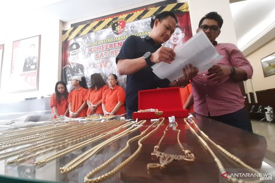 Pegadaian rugi miliaran rupiah ditipu komplotan penjual emas Imitasi
