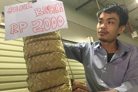Besek bambu murah dijual di gerai KJP Pasar Senen
