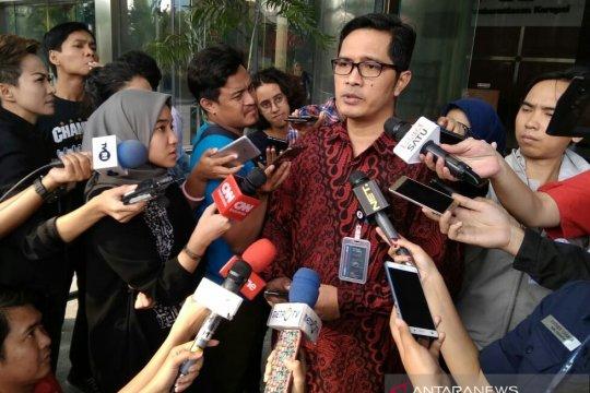Anggota Komisi VI berangkat dari Bali sebelum dijemput tim KPK