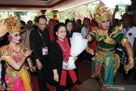 Berita Politik kemarin, Kongres PDI-P dan kelakar politik Megawati