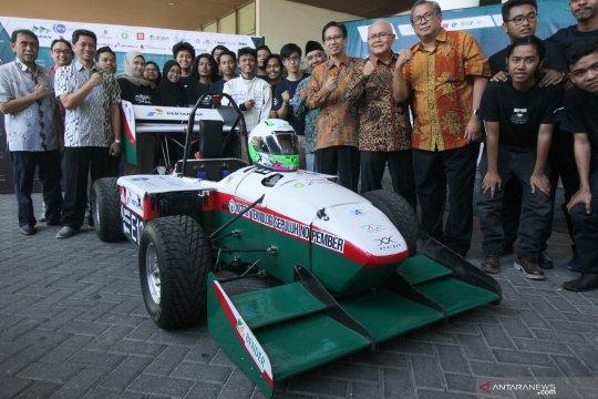Mobil formula listrik dari Surabaya