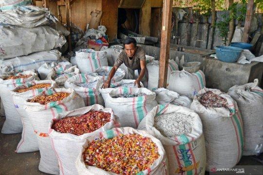 Industri daur ulang plastik rumahkan 63.000 pekerja akibat COVID-19