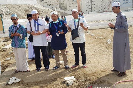 Jamaah calon haji Kalteng ziarah ke makam Mbah Moen