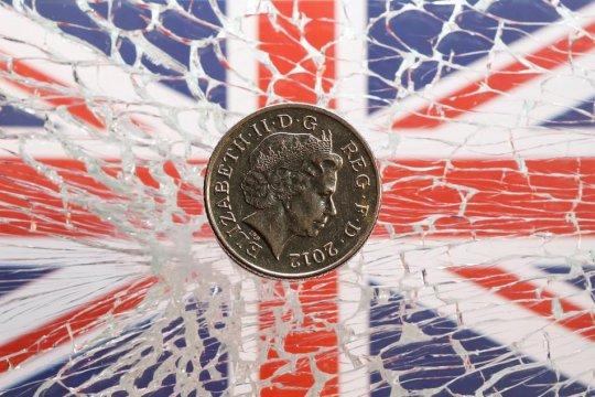 Peluang Brexit tanpa kesepakatan meningkat, sterling terus merosot