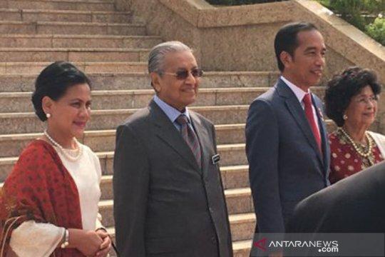 Presiden Jokowi tiba di Dataran Perdana Putrajaya