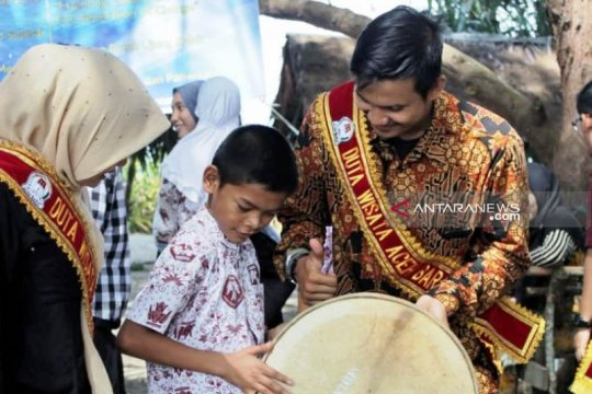 Duta Wisata Aceh Barat kenalkan budaya Aceh kepada anak difabel