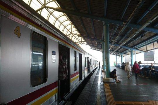 DPRD nilai transportasi berbasis rel di Jakarta perlu ditambah