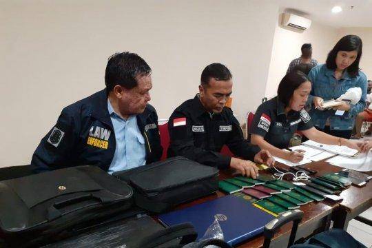 Imigrasi Jakarta Barat dalami kasus puluhan WNA terjaring razia