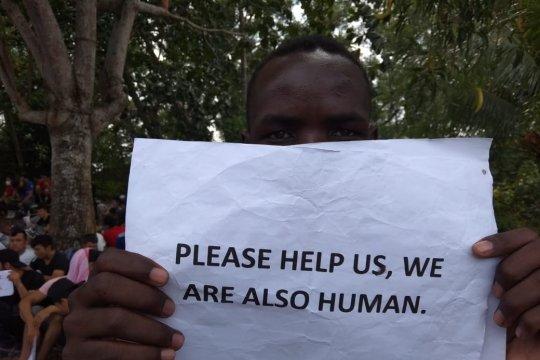 Imigran hentikan demo lantaran menghargai HUT Republik Indonesia