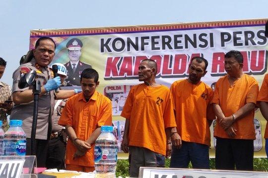 Polda Riau tetapkan perusahaan sawit tersangka karhutla