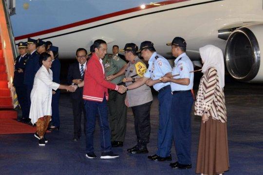 Presiden dan Ibu Negara tiba di Indonesia