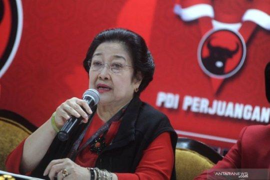 Megawati ingatkan calon kepala daerah tertib administrasi saat daftar