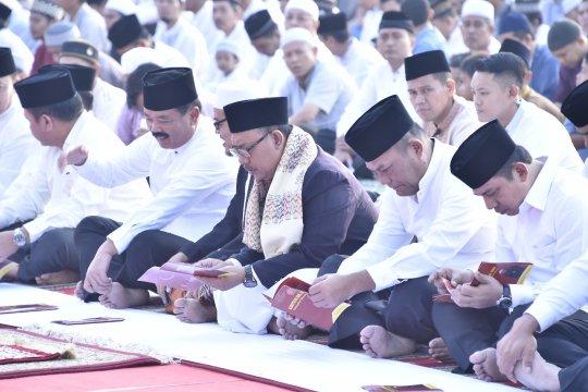 Panglima TNI Shalat Idul Adha bersama ribuan prajurit