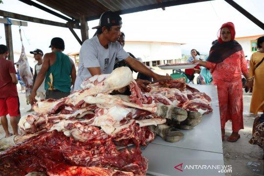 ACT ajak warga Kampung Seng makan daging kurban