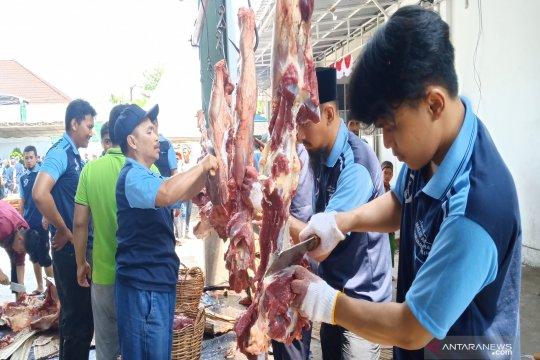 Masjid Al Jihad Banjarmasin bagikan 10 ribu kantong daging kurban