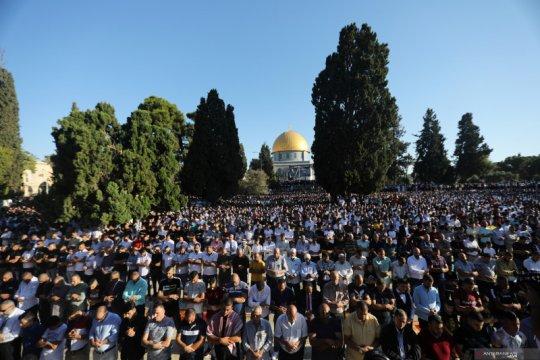 Corona: Masjid Al Aqsa ditutup, 190 kasus baru di Malaysia